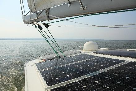 panneaux solaires pour bateaux