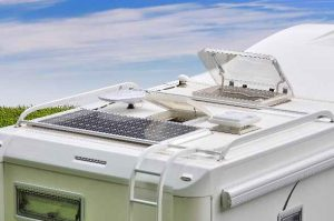 Panneaux solaires , kits et accessoires pour camping-cars